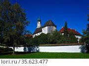 Kloster Margrethausen in bei Albstadt, Baden Württemberg, Deutschland... Стоковое фото, фотограф Zoonar.com/Jürgen Vogt / easy Fotostock / Фотобанк Лори