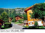 Wengen village and alps mountain in Switzerland. Стоковое фото, фотограф Zoonar.com/sanga park / easy Fotostock / Фотобанк Лори