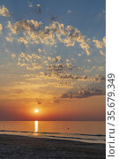 Sunset in Rodi Garganico, National park Gargano, Apulia, Italy. Стоковое фото, фотограф Richard Semik / easy Fotostock / Фотобанк Лори