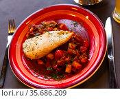 Chicken breast with stewed vegetables. Стоковое фото, фотограф Яков Филимонов / Фотобанк Лори