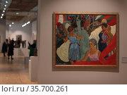 """Жанровая картина на выставке """"Метаморфозы соцреализма"""" В ЦДХ. Редакционное фото, фотограф Дмитрий Неумоин / Фотобанк Лори"""