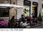 A view of the bar Antico Caffe' Greco Via Condotti in Rome. Lazio... Редакционное фото, фотограф Alessandro Serrano' / AGF/Alessandro Serrano' / / age Fotostock / Фотобанк Лори
