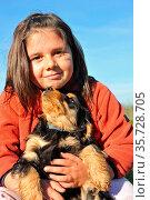 Portrait of a puppy purebred english cocker with little girl. Стоковое фото, фотограф Zoonar.com/emmanuelle bonzami / age Fotostock / Фотобанк Лори