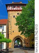 Stadtmauer, Gartentor. Стоковое фото, фотограф Bernd J. W. Fiedler / age Fotostock / Фотобанк Лори