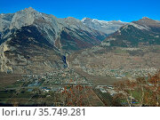 The mountains Haut du Cry (l) Mont Gond (r) above the Southern Swiss... Стоковое фото, фотограф Neil Harrison / age Fotostock / Фотобанк Лори
