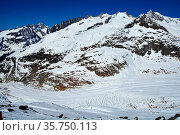 The Schinhorn, Sattelhorn and Aletchhorn (left to right) above the... Стоковое фото, фотограф Neil Harrison / age Fotostock / Фотобанк Лори