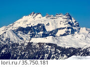 The Dents du Midi above Martigny in Switzerland on the border with... Стоковое фото, фотограф Neil Harrison / age Fotostock / Фотобанк Лори