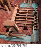 Six cylinder pump by Taqi ad-Din Muhammad ibn Ma'ruf ash-Shami al-Asadi. Редакционное фото, агентство World History Archive / Фотобанк Лори