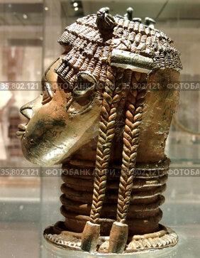 Male head, Brass, Udo, Nigeria, 16th century.