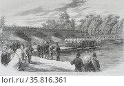 Experiments with Captain Fowke's pontoon bridge on the Serpentine. Редакционное фото, агентство World History Archive / Фотобанк Лори