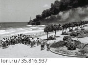 The Altalena Affair in 1948 between the newly created Israel Defence Forces and the Irgun. Редакционное фото, агентство World History Archive / Фотобанк Лори