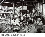 Indonesian food preparation. Редакционное фото, агентство World History Archive / Фотобанк Лори