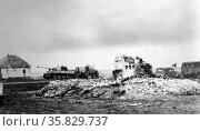 World War Two: German army postcard showing German army panzer tanks in Russia, 1942. Редакционное фото, агентство World History Archive / Фотобанк Лори