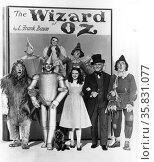 The Wizard of Oz a 1939 American musical fantasy film produced by Metro-Goldwyn-Mayer, and the most well-known and commercial adaptation based on the 1900 novel The Wonderful Wizard of Oz by L. Frank Baum. The film stars Judy Garland; Редакционное фото, агентство World History Archive / Фотобанк Лори