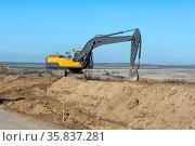 Special crawler construction equipment excavator. Стоковое фото, фотограф Владимир Ушаров / Фотобанк Лори