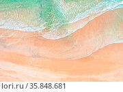 Aerial shot of waves and sand patterns on a beach in Sydney Australia. Стоковое фото, фотограф Zoonar.com/Leah-Anne Thompson / age Fotostock / Фотобанк Лори