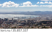 Panorama of the coast and the seaport in the bay in Cape Town (2017 год). Стоковое фото, фотограф Олег Елагин / Фотобанк Лори
