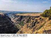 Top view of the Kasakh River canyon near Sagmosavank Monastery on the eastern outskirts of Sagmosavan village in Aragatsotn district. Armenia. Стоковое фото, фотограф Наталья Волкова / Фотобанк Лори
