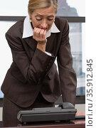 Woman waiting for phone call. Стоковое фото, фотограф Shannon Fagan / Ingram Publishing / Фотобанк Лори