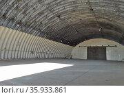Interior of disused Upper Heyford hanger. Редакционное фото, агентство World History Archive / Фотобанк Лори