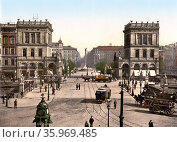 Horsedrawn trams at the Halle Gate and Belle Alliance Square, Berlin. Редакционное фото, агентство World History Archive / Фотобанк Лори