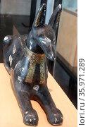 Ancient Egyptian, figure of the jackal god Anubis. Редакционное фото, агентство World History Archive / Фотобанк Лори