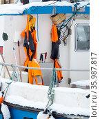 The frozen harbour of Uummannaq during winter in northern Westgreenland... Стоковое фото, фотограф Martin Zwick / age Fotostock / Фотобанк Лори