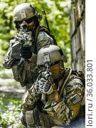 Green Berets US Army Special Forces Group soldiers in action. Стоковое фото, фотограф Oleg Zabielin / easy Fotostock / Фотобанк Лори