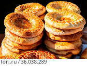 Traditional appetizing uzbek flat breads with sesame seeds from the... Стоковое фото, фотограф Zoonar.com/Alexander Blinov / easy Fotostock / Фотобанк Лори