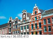 Traditional old buildings in Amsterdam, the Netherlands. Стоковое фото, фотограф Zoonar.com/Yuri Dmitrienko / easy Fotostock / Фотобанк Лори