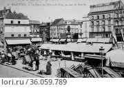 Beauvais, the town hall square, a day's walk, postcard 1900. (2009 год). Редакционное фото, фотограф Louis Bertrand / age Fotostock / Фотобанк Лори