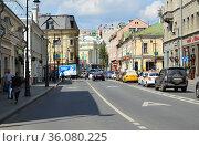Улица Солянка. Таганский район. Город Москва (2019 год). Редакционное фото, фотограф lana1501 / Фотобанк Лори