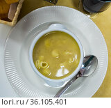 Homemade nourishment pasta soup. Стоковое фото, фотограф Яков Филимонов / Фотобанк Лори