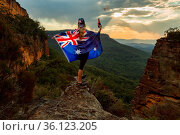 Celebrate Australia Day in Blue Mountains, where steep cliffs give... Стоковое фото, фотограф Zoonar.com/Leah-Anne Thompson / easy Fotostock / Фотобанк Лори