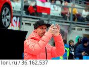 Noch schnell ein paar Eindrücke festgehalten: Martin Schmitt (TV-... Стоковое фото, фотограф Zoonar.com/Joachim Hahne / age Fotostock / Фотобанк Лори