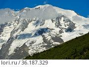Gipfelkette Dômes de Miage im Mont-Blanc-Massiv, Saint-Gervais-les... Стоковое фото, фотограф Zoonar.com/georg_A / age Fotostock / Фотобанк Лори