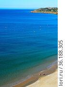 Strand und Meer in Praia da Luz, Luz, Algarve, Portugal / Sea and... Стоковое фото, фотограф Zoonar.com/Georg / age Fotostock / Фотобанк Лори