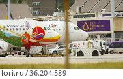 Phuket airport, traffic (2016 год). Редакционное видео, видеограф Игорь Жоров / Фотобанк Лори