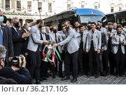 Italy's players attend a ceremony with Italian Premier Mario Draghi... Редакционное фото, фотограф Francesco Fotia / age Fotostock / Фотобанк Лори