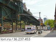 Columbia University Emergency Medical Service on Broadway. New York City (2019 год). Редакционное фото, фотограф Валерия Попова / Фотобанк Лори