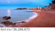 LLORET DE MAR, SPAIN - JUNE 21, 2016: Panorama of Lloret de Mar Seafront... Стоковое фото, фотограф Zoonar.com/Andrey Omelyanchuk / age Fotostock / Фотобанк Лори