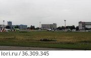 Early flight, departure from the airport. Редакционное видео, видеограф Игорь Жоров / Фотобанк Лори