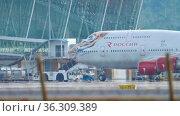 Boeing passenger departs from the terminal (2018 год). Редакционное видео, видеограф Игорь Жоров / Фотобанк Лори