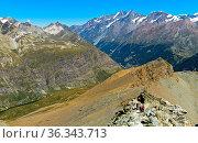 In den Walliser Alpen bei Zermatt, Wallis, Schweiz / In the Pennine... Стоковое фото, фотограф Zoonar.com/Mike / easy Fotostock / Фотобанк Лори