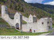 Mühlbacher Klause - mittelalterliche Grenzfestung im Pustertal. Стоковое фото, фотограф Zoonar.com/Eder Christa / easy Fotostock / Фотобанк Лори