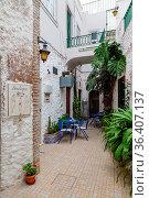 Hinterhof in der Altstadt von Olhao, Algarve, Portugal. Backyard with... Стоковое фото, фотограф Zoonar.com/Dirk Rüter / easy Fotostock / Фотобанк Лори