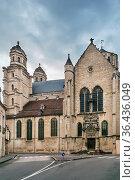 Saint Michel Church from 16 century in Dijon, France. Стоковое фото, фотограф Zoonar.com/Boris Breytman / easy Fotostock / Фотобанк Лори