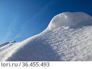 Snowdrift. Snow drift. Стоковое фото, фотограф Andrey Iudin / Фотобанк Лори