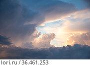 Наступление грозовых облаков. Стоковое фото, фотограф Антонина / Фотобанк Лори