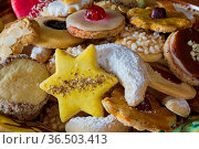 Traditionelles Weihnachtsgebaeck. Стоковое фото, фотограф Zoonar.com/Wieland Hollweg / age Fotostock / Фотобанк Лори